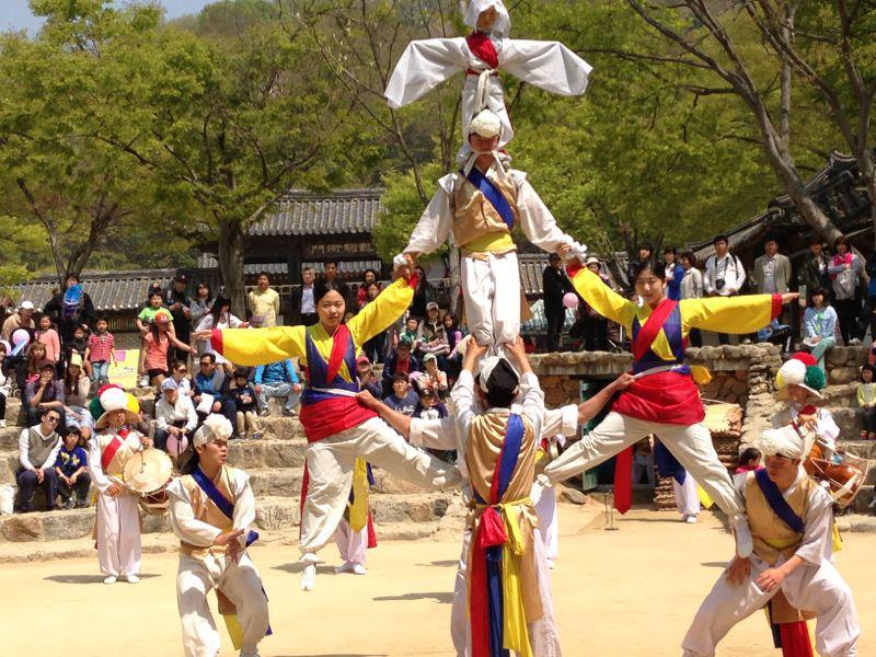 יום הילד, טיול מאורגן לקוריאה