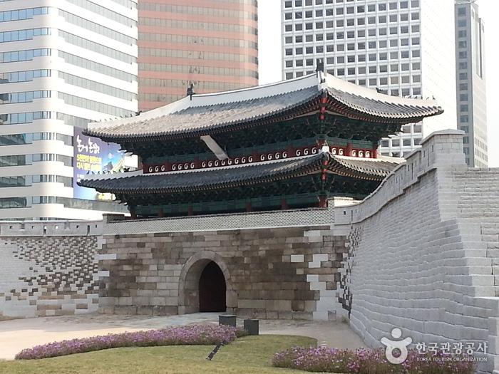 שער נם דה מון | Namdaemun | Explore korea | טיולים מאורגנים לדרום קוריאה