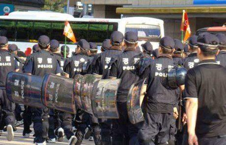 פרק 27 | משטרת ההפגנות